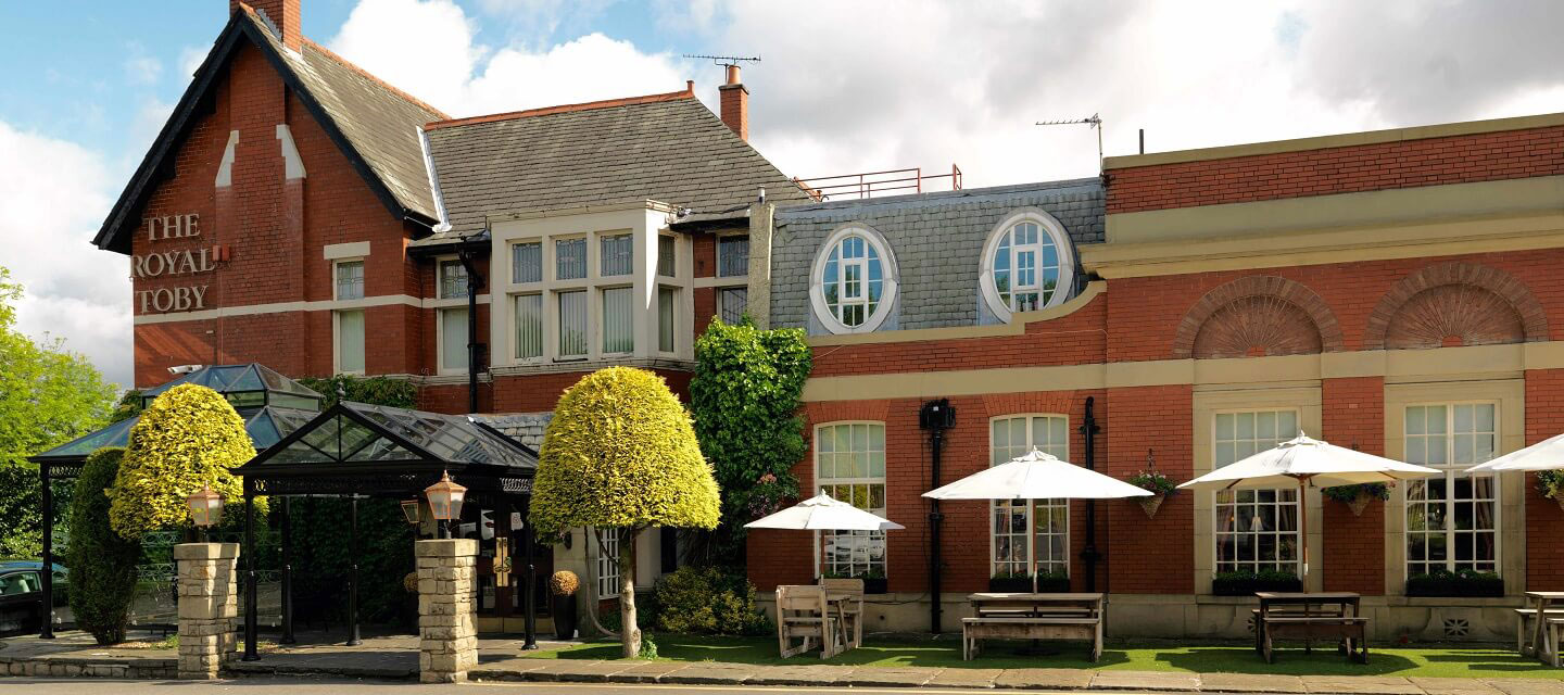 The Royal Toby Hotel Restaurant Wedding Venue In Rochdale