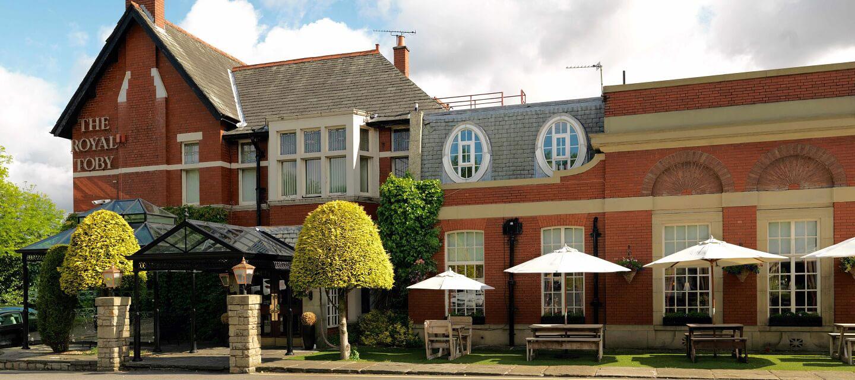 The Royal Toby Hotel Restaurant Wedding Venue In Rochdale